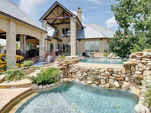 Featured Property in Horseshoe Bay, TX 78654