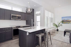 Featured Property in Calgary, AB T2S 0H3