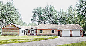 Featured Property in Grovedale, AB